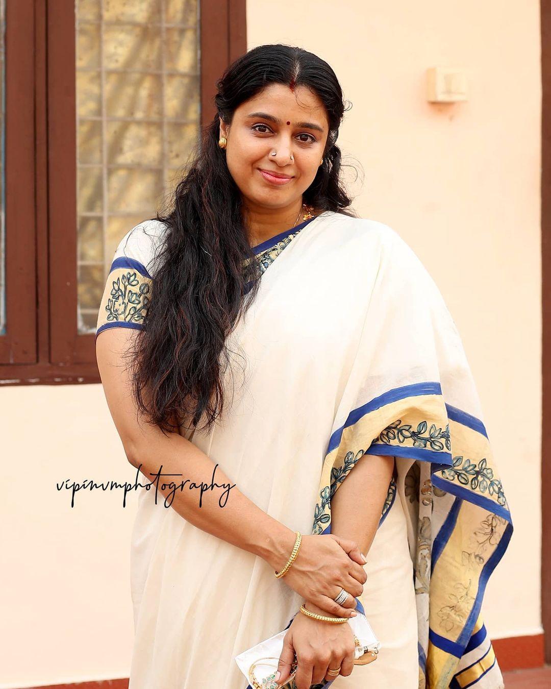 Actress Samyuktha Varma Latest Photos