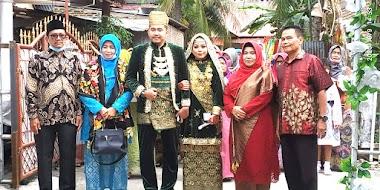 Kepala MTsN 1 Padang Hj. Rifdawati Baminantu