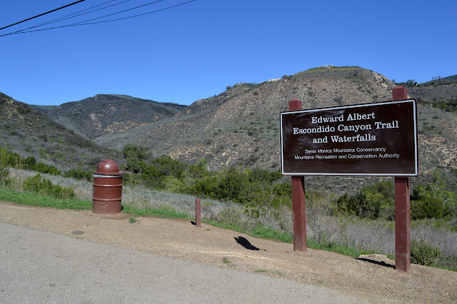 sign at the start of the trail