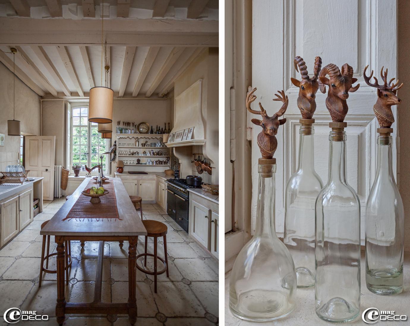 Collection de bouteilles en verre avec bouchon avec têtes de cervidés chinées dans les vides-greniers