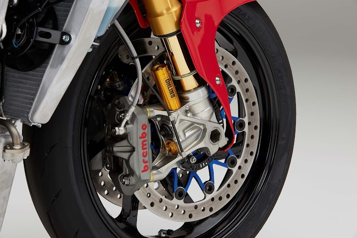 2016-Honda-RC213V-S-street-bike-32.jpg