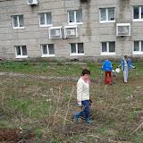 Наташа(Гайдара 5) чистит склон и сажает ивы