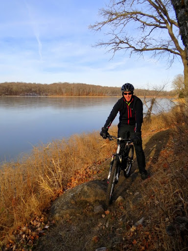 Lakeside singletrack near a frozen lake!