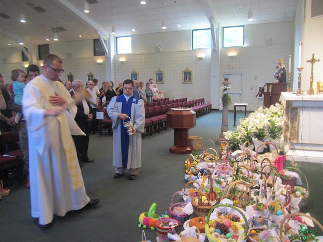 4.7.2012, Wielka Sobota, Świecenie pokarmów, kościół MOQ, Norcross. Zdjęcia E. Gürtler-Krawczyńska - 011.JPG