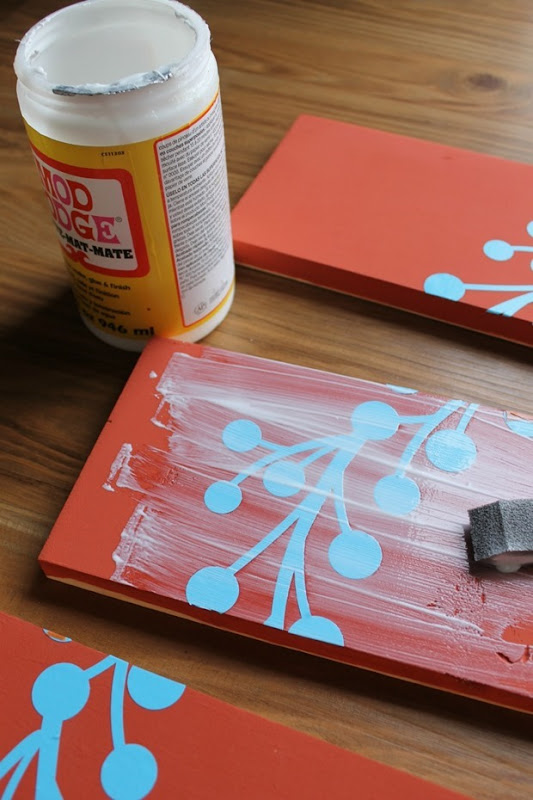 pallet sign tutorial stencil