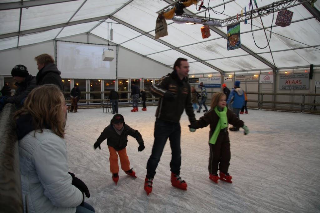 Sinterklaas bij de schaatsbaan - IMG_0343.JPG