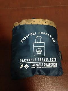 Herschel Supply Packable Travel Tote Black NAVY/ネイビーxドット 折りたたんだところ