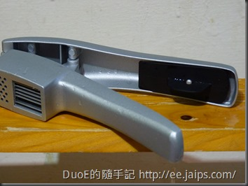 鋁合金兩用金屬壓蒜器-清蒜器收納