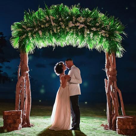 Wedding photographer Adrian Mcdonald (mcdonald). Photo of 01.11.2017