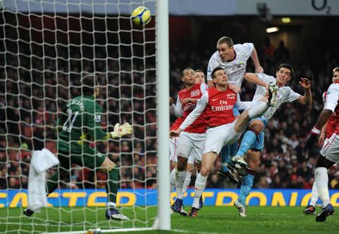 Dunne, Arsenal - Aston Villa