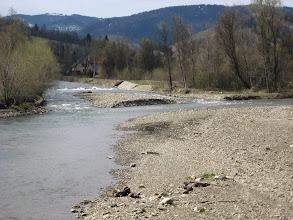 Photo: Podążając ku centrum Rajczy przekraczamy Sołę. Ciekawostką jest, że Soła uchodzi do Wisły w okolicach Oświęcimia, zwiększając jej przepływ o około 59% (najwięcej w skali kraju).