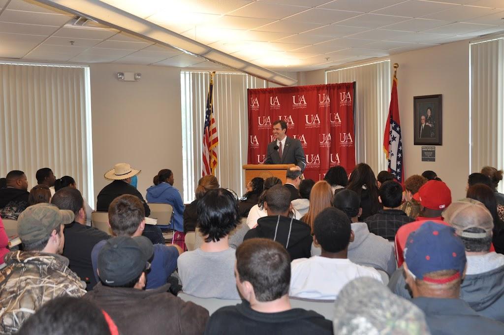 U of A System President Dr. Donald Bobbitt Visit - DSC_0227.JPG
