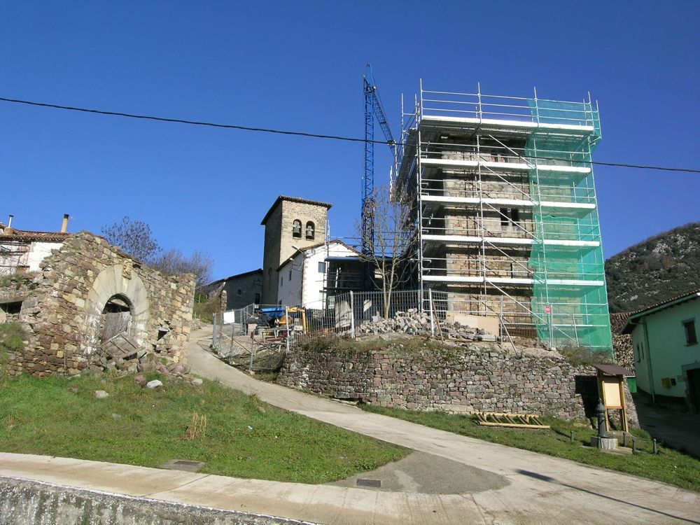 Reconstruccion Torre de Uriz - DSCN7836.JPG