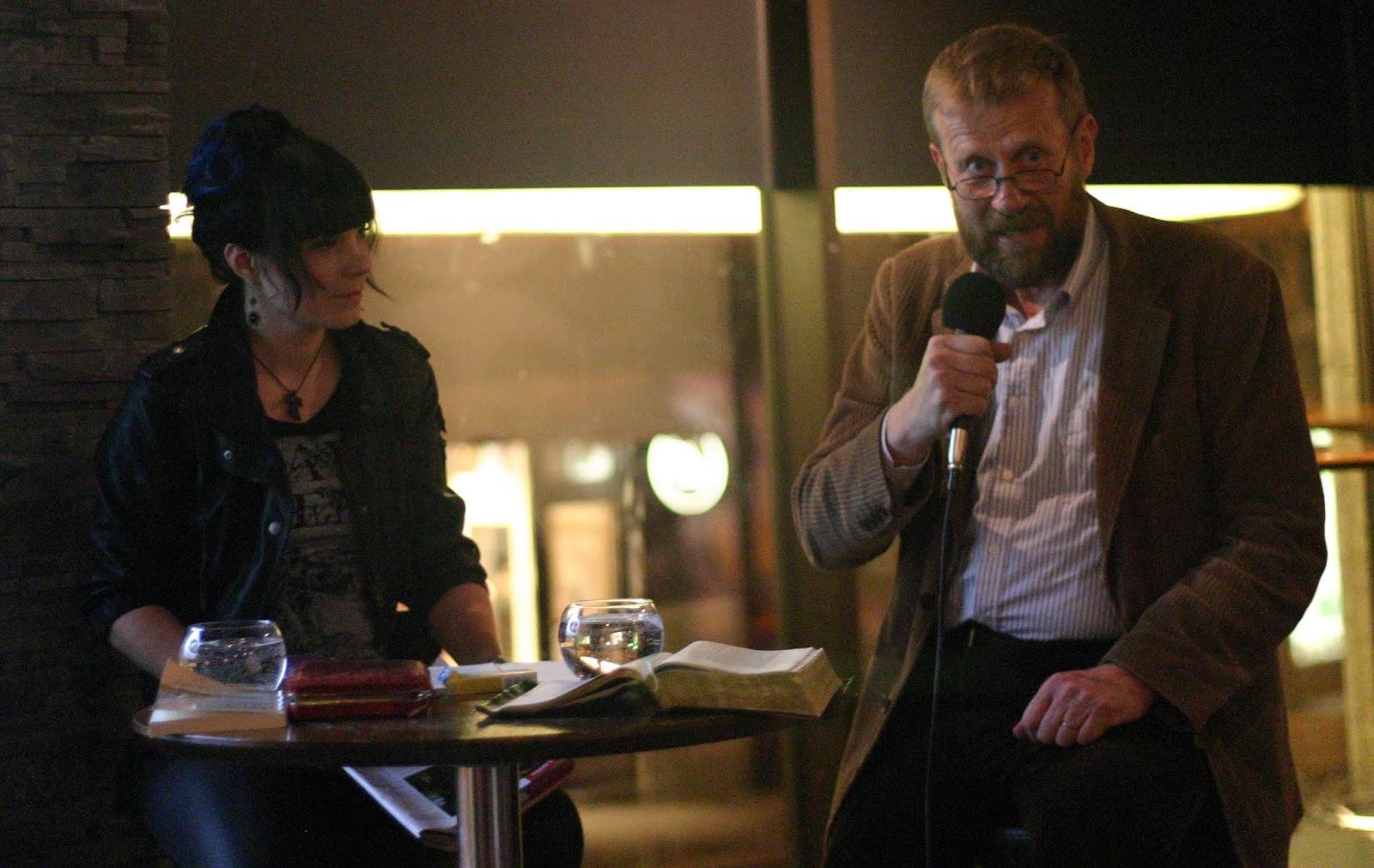 Kauhuskenaario 31.10.2012 - Laura_ja_Lennart.jpg