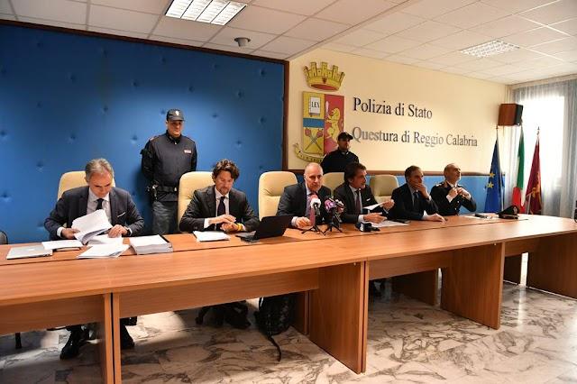 """QUESTURA DI REGGIO CALABRIA SQUADRA MOBILE Operazione """"EYFHÉMOS"""". Dettagli e nomi arrestati."""