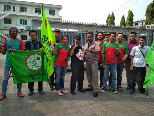 Ratusan Masa FS.FARKES/R– KSPI  Long March Menuju Jakarta