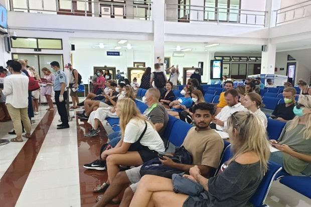 Rusia dan AS Tarik Warganya dari Indonesia, Ketua ProDEM: Lockdown Harus Dilakukan!