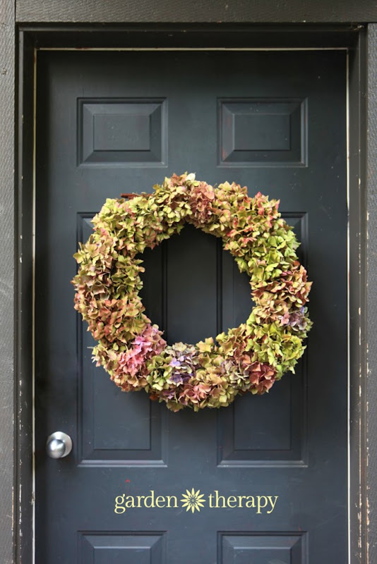 easy-fall-Hydrangea-wreath