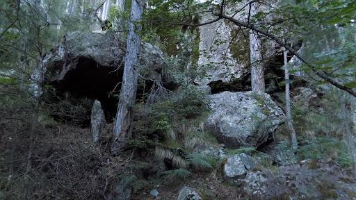 En allant rejoindre le bas de Ghjarghje Rosse depuis la grotte-bergerie de la Cavichja