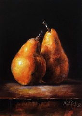 TWO PEARS 1 SMALL