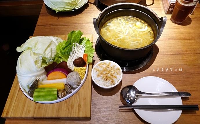 11 台中美食拾七火鍋 輕井澤火鍋