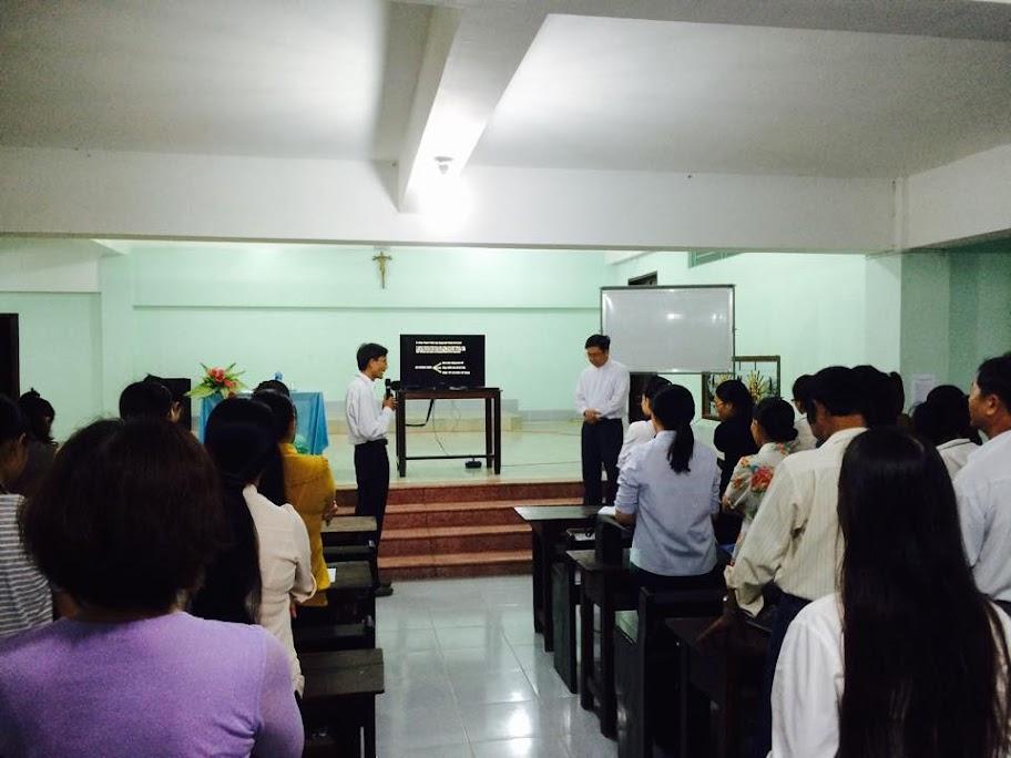 Giáo lý viên giáo hạt Phan Rang gặp gỡ, học hỏi, trao đổi trước khi bước vào năm học mới 2015-2016.