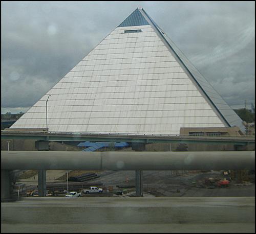 PyramidBuilding