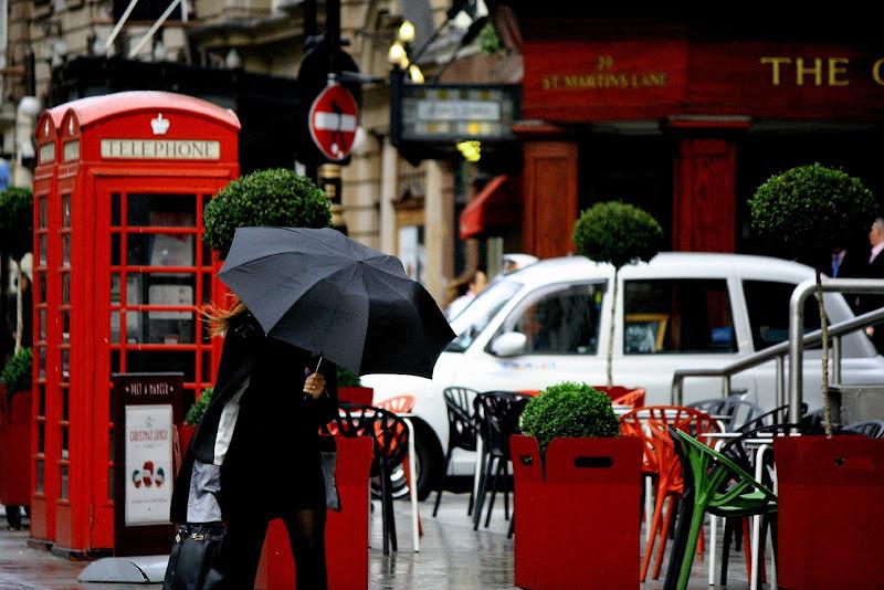 Pioggia a Trafalgar Square di Andrea F