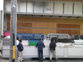 Photo: 10t車によって運んできた防音室の部品部材、大量だ。 http://www.pianoya.net/pianoya_406.htm