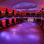 Velký sál Slovanského domu připravený na Vánoční ples