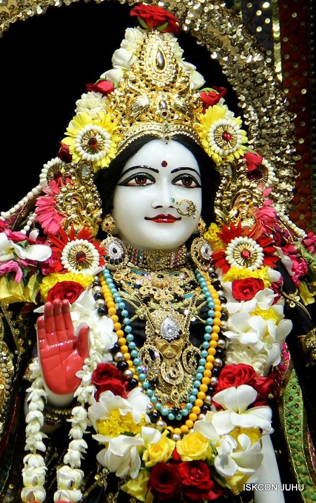 ISKCON Juhu Sringar Deity Darshan on 28th May 2016 (41)