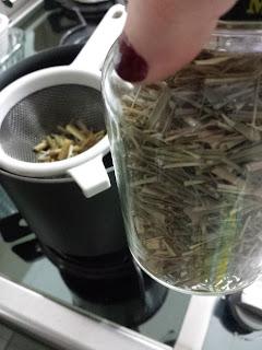 Chá calmante de capim cidreira