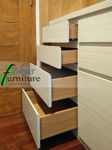 model laci/pintu dengan tarikan serong minimalis