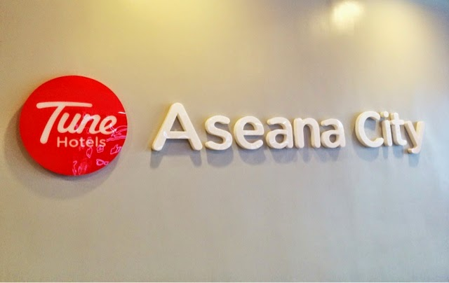I Must Say That Tune Hotel Aseana S Location Is Very Convenient As It Close To The Airport There No Restaurant In Yet But A Jollibee