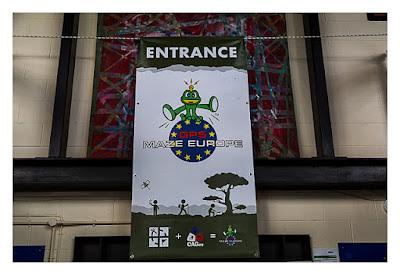 UK Mega 2016 in North Wales - GPS Maze Europe - Logo über der Tür