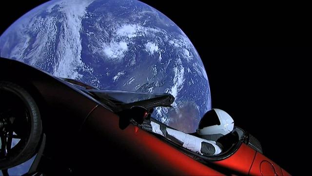 tesla-roadster-in-space-9