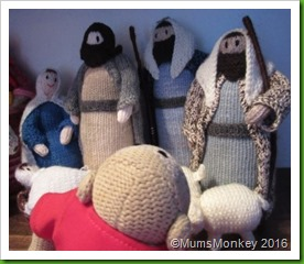 knitted nativity 2