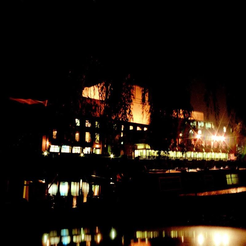 Canal_Boating_01 Stratford.jpg