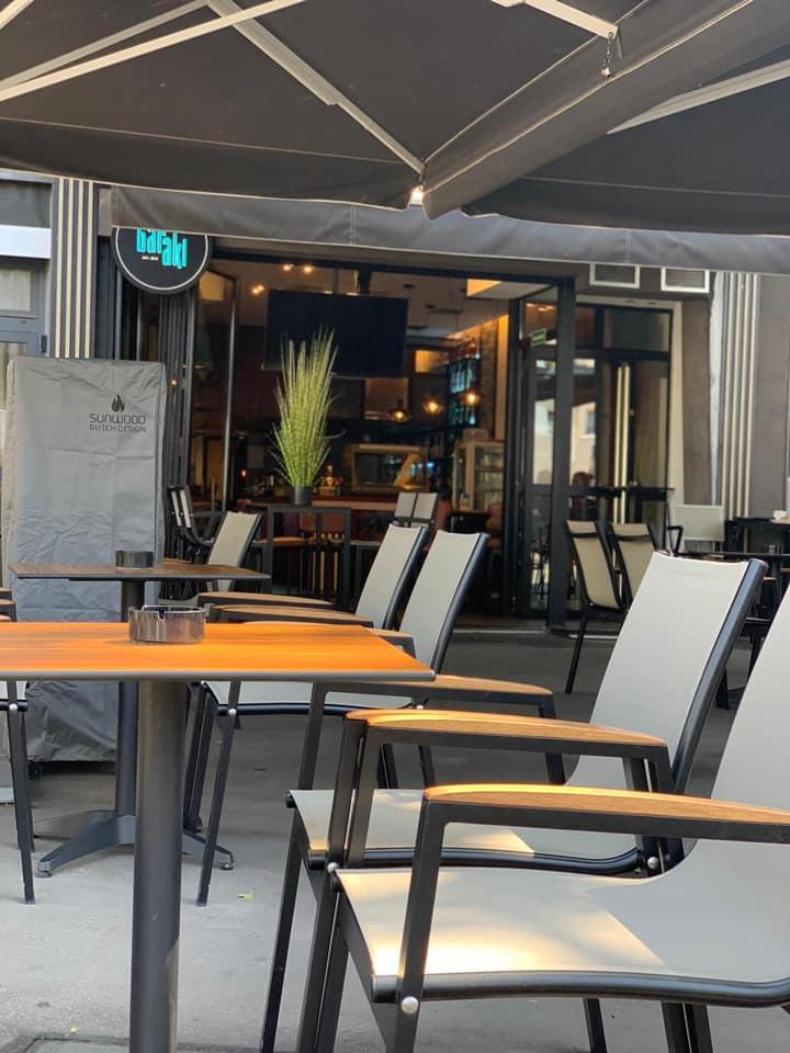 Το baraki μας ξανά ανοιχτό! Επιτέλους μπορείτε να απολαύσετε τον καφέ σας στην αυλή μας αλά ελληνικά...