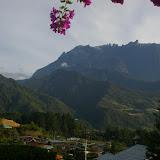 Le Mont Kinabalu (4095 m) depuis Kundasang, 31 juillet 2011. Photo : J.-M. Gayman