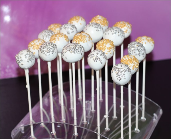 Silvester New Year Cake Pops Oreo Glitzer Gold Silber Weiß 13