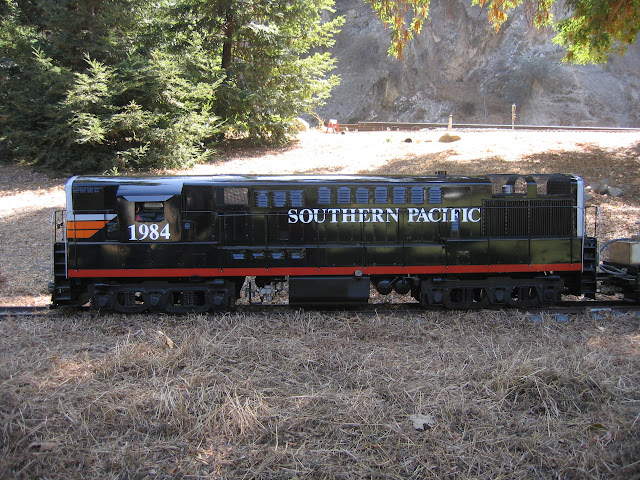 1:8 Train Locomotive