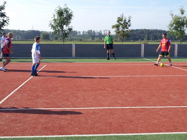 ČSFA - rodinný turnaj 2011 (záver) - 2011-09-24%2B09.55.01.jpg
