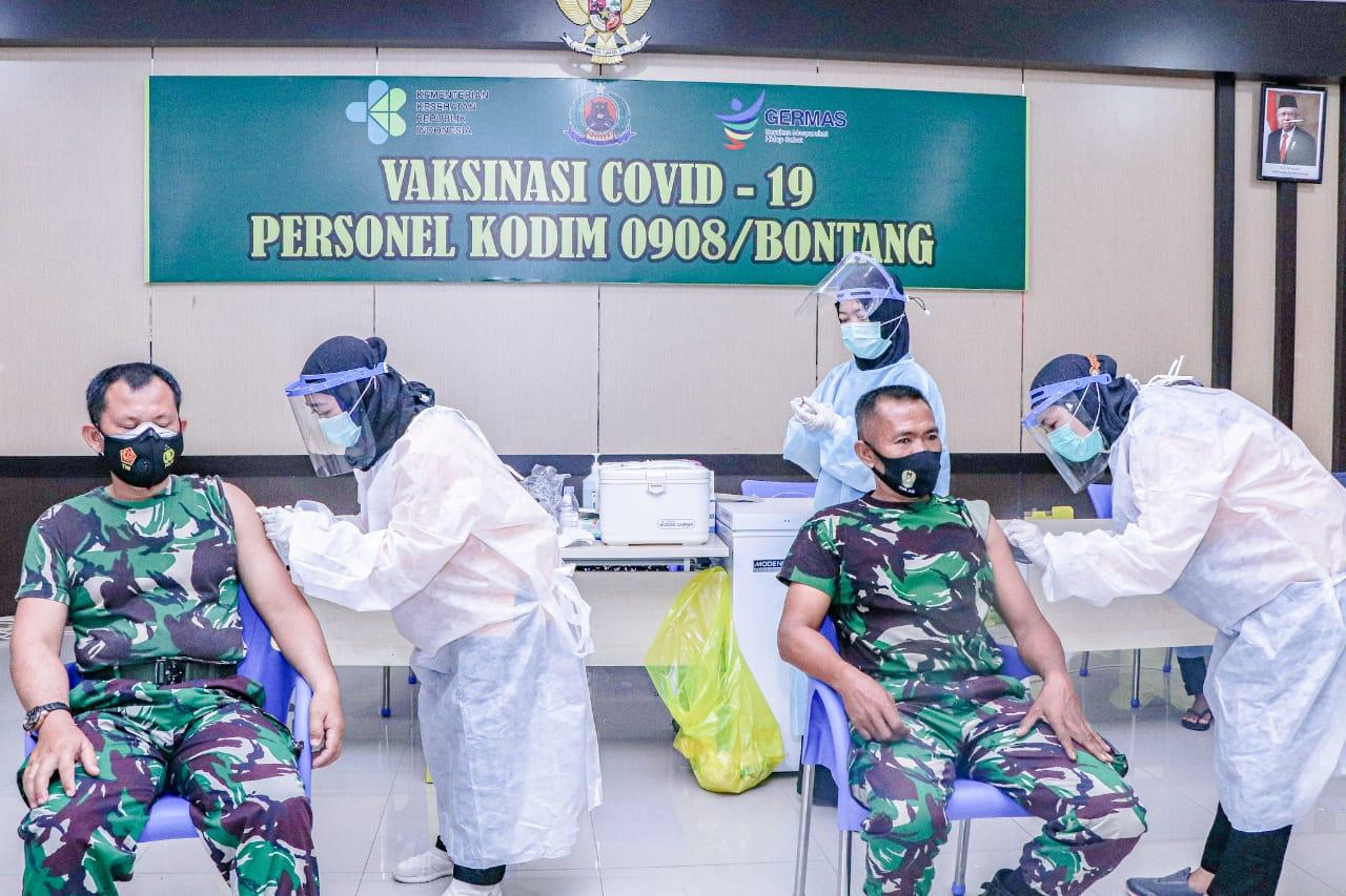 Kodam VI/Mlw, Personel Kodim 0908/Bontang Laksanakan Vaksinasi Covid-19