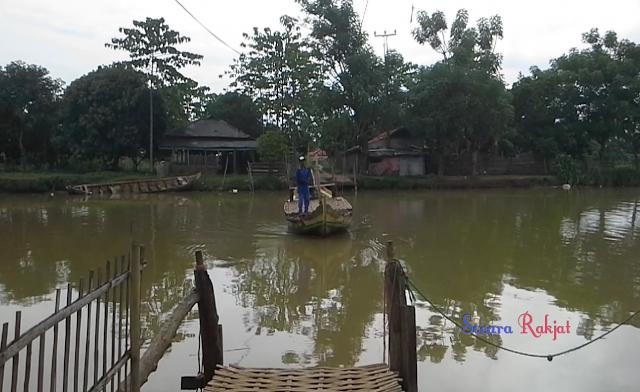 Perahu penyebrangan desa muara tanjungtiga blanakan subang