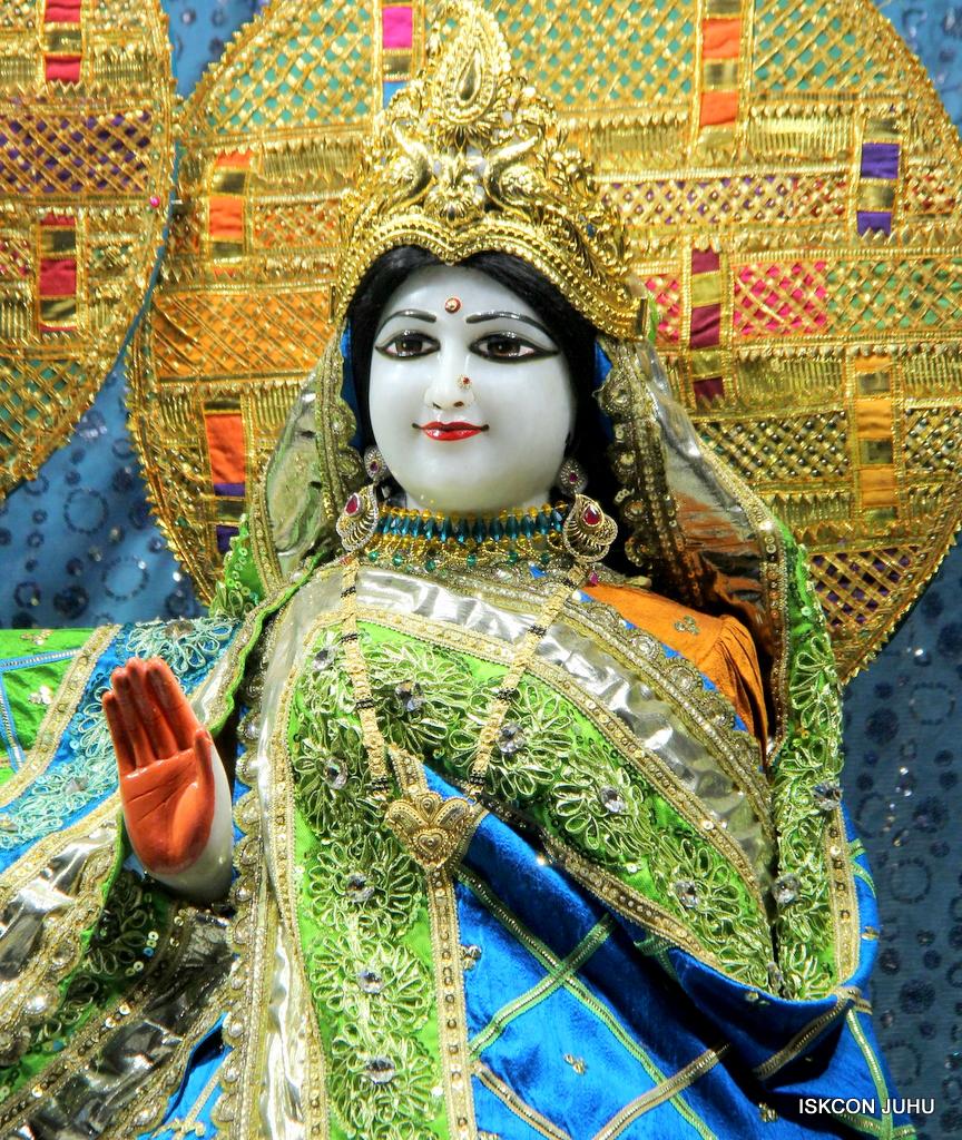 ISKCON Juhu Mangal Deity Darshan on 20th Jan 2017 (29)