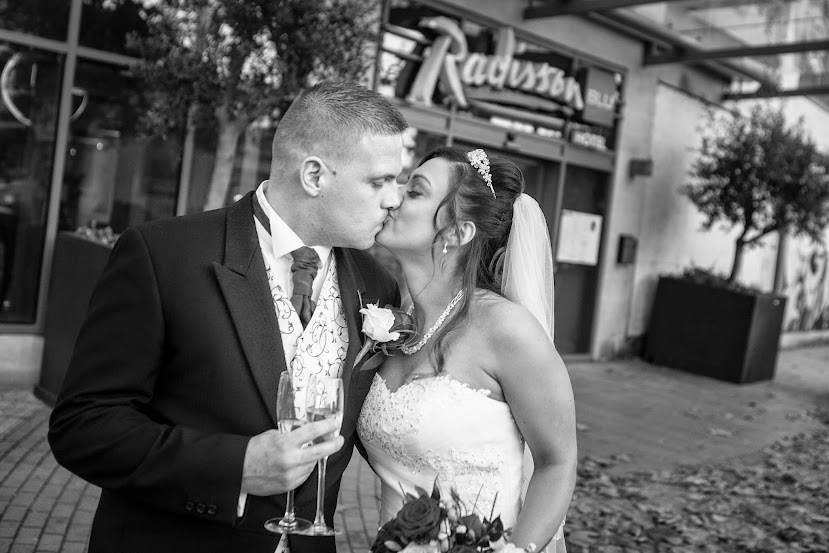 wedding-couple-bristol-city-center