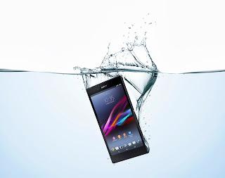 19_Xperia_Z_Ultra_Water_Vertical.jpg