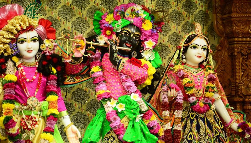ISKCON GEV Deity Darshan 09 Jan 2017 (20)