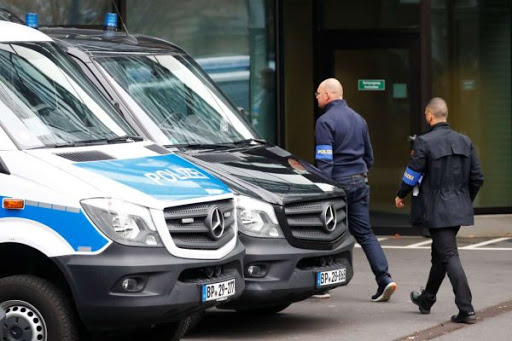 Εφοδος 170 αστυνομικών στα κεντρικά της Deutsche Bank στην Φρανκφούρτη